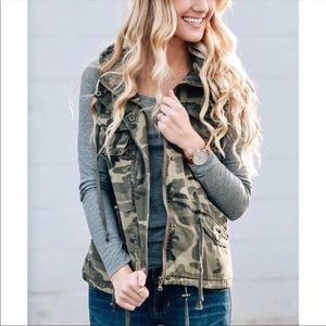 Jackets & Blazers - Camo cinch hoodie green drawstring military vest